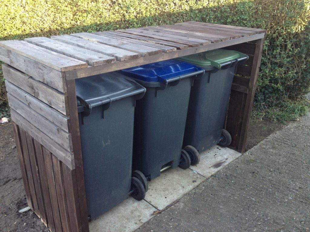 Finished bin shelter