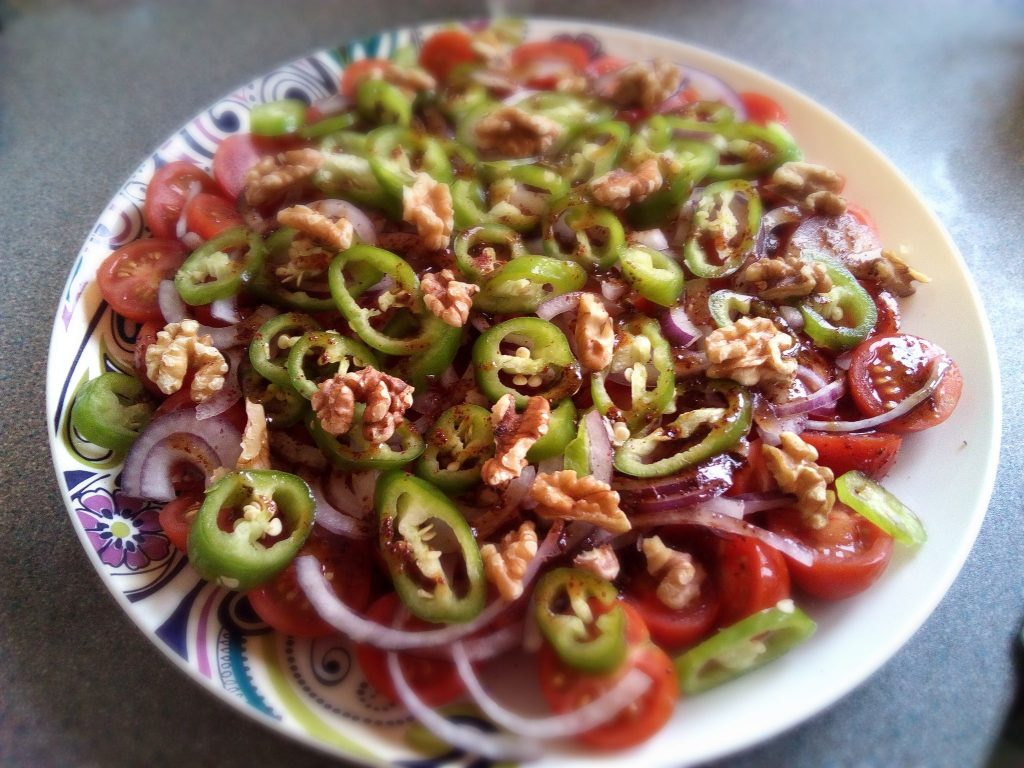tomato-pomegranate-salad