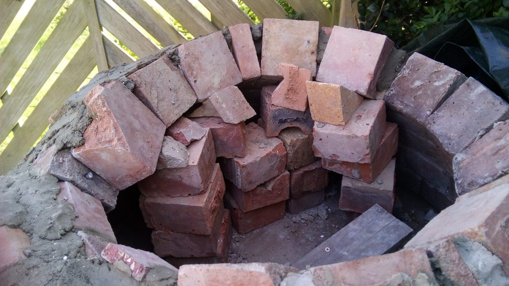 brick supports for pizza oven dome