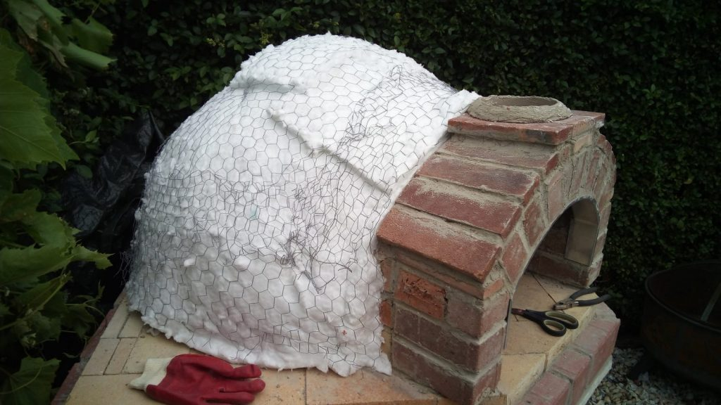 insulating the pizza oven
